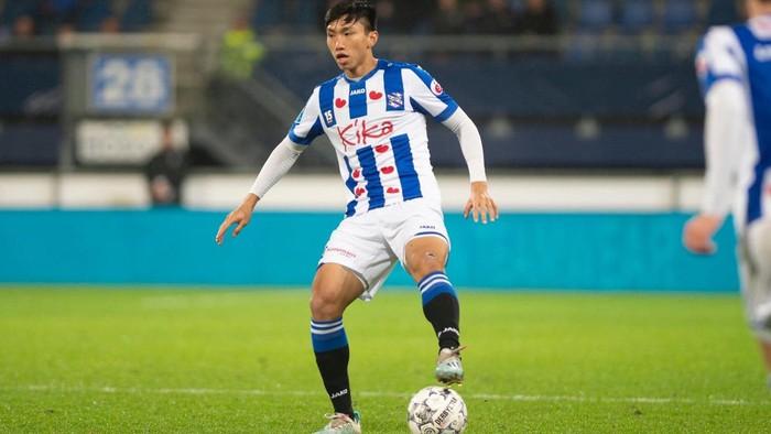 Đang nghỉ vì dịch Covid-19, SC Heerenveen vẫn tiến hành thanh lọc đội hình: 5 cầu thủ mất việc, cơ hội nào cho Văn Hậu? - Ảnh 2.