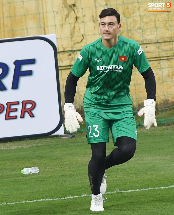 Muốn Văn Lâm dự AFF Cup, HLV Park Hang-seo cần cầu nguyện cho... Thai League  - Ảnh 2.