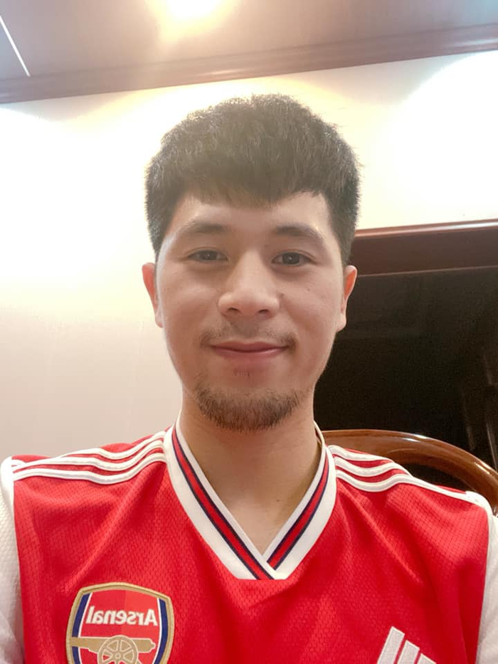 Chuyện tóc tai mùa dịch của cầu thủ: Đức Chinh cố thủ không để thầy cắt tóc, bất ngờ với Đình Trọng râu ria xồm xoàm - Ảnh 6.