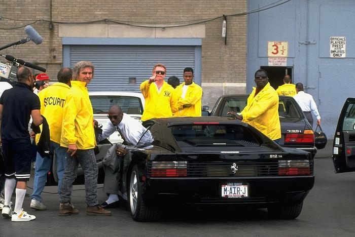 Câu chuyện chưa kể về huyền thoại Michael Jordan: Vung tay mua liền 5 siêu xe một lúc và sự thật phía sau khiến ai cũng ngã ngửa - Ảnh 3.