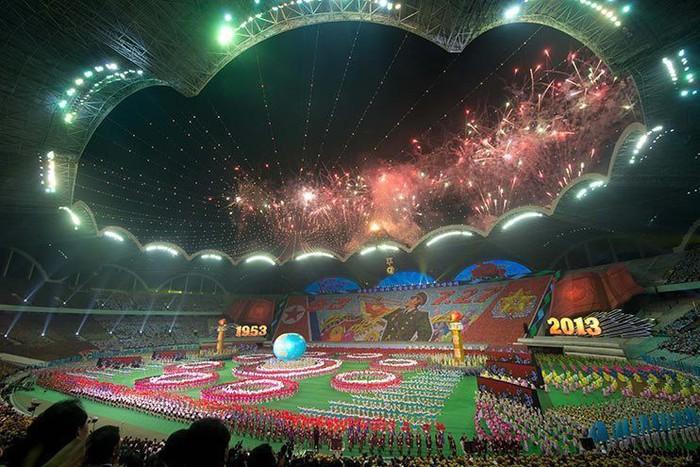 Choáng ngợp với SVĐ lớn nhất thế giới ít người biết tại CHDCND Triều Tiên: Sức chứa lên đến 150.000 người, hiếm khi tổ chức trận đấu  - Ảnh 7.