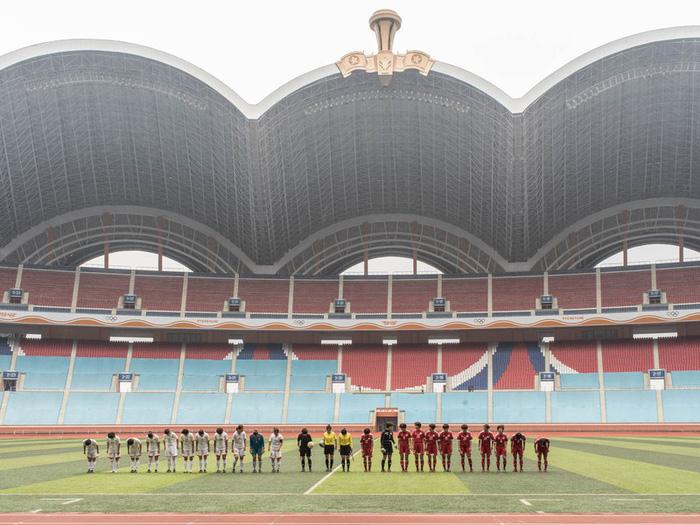 Choáng ngợp với SVĐ lớn nhất thế giới ít người biết tại CHDCND Triều Tiên: Sức chứa lên đến 150.000 người, hiếm khi tổ chức trận đấu  - Ảnh 3.