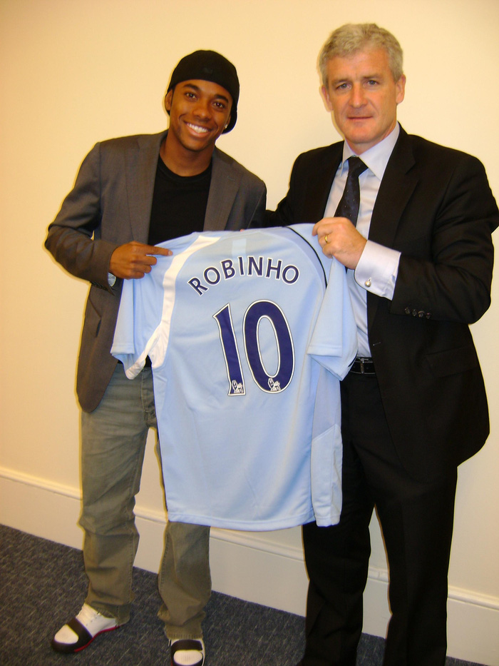 Vụ chuyển nhượng hụt Robinho đến Chelsea: 12 năm qua, cả thế giới bị lừa  - Ảnh 1.