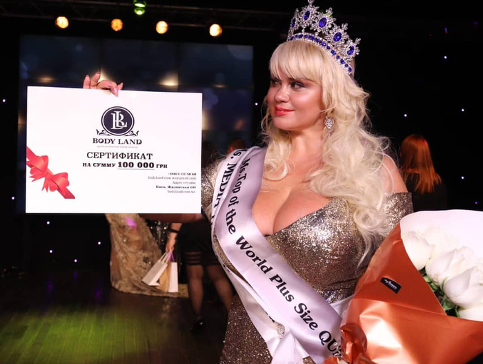 Hoa hậu ngoại cỡ gây sốt với tuyên bố trở thành võ sĩ quyền Anh chuyên nghiệp: Bộ ngực quá khủng sẽ là trở ngại lớn nhất của cô  - Ảnh 2.