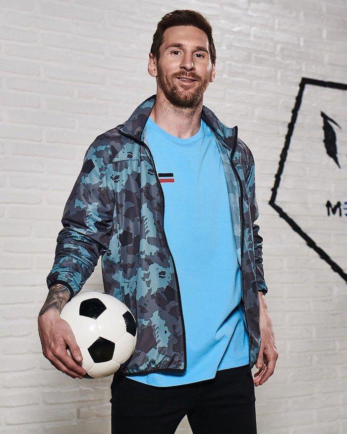 Fan giật mình khi Messi đăng ảnh để tóc dài cạo râu nhẵn nhụi, tưởng là một pha đào ảnh cũ câu thả tim nhưng không phải vậy - Ảnh 2.