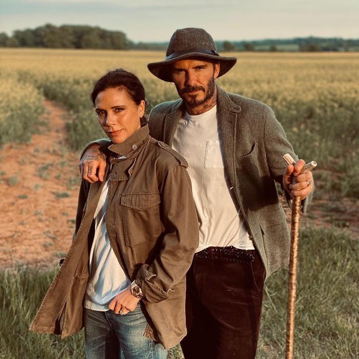 Là biểu tượng thời trang của đấng mày râu, không ngờ có ngày David Beckham lại bị bà xã chê ở khâu chọn trang phục hài hước như thế này đây - Ảnh 1.
