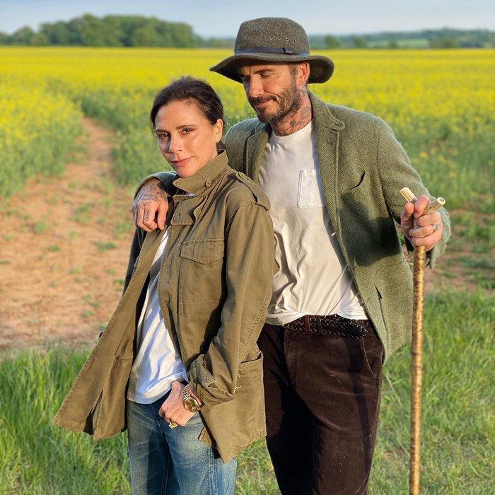 Là biểu tượng thời trang của đấng mày râu, không ngờ có ngày David Beckham lại bị bà xã chê ở khâu chọn trang phục hài hước như thế này đây - Ảnh 2.
