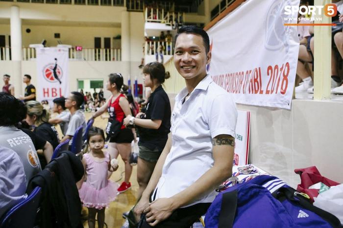 Chủ tịch Hội bóng rổ không chuyên Hà Nội nói gì về pha lỗi dậy sóng cộng đồng Thủ đổ - Ảnh 4.