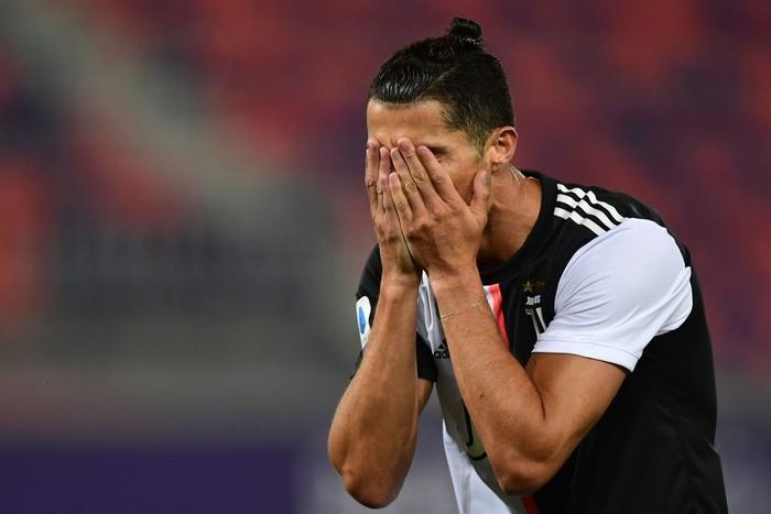 Nụ cười đã trở lại trên môi Ronaldo trong ngày anh lập thêm kỷ lục ghi bàn mới - Ảnh 3.