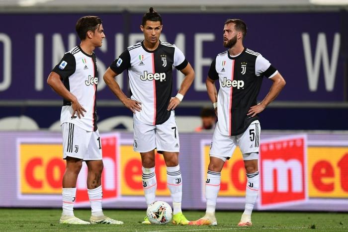 Nụ cười đã trở lại trên môi Ronaldo trong ngày anh lập thêm kỷ lục ghi bàn mới - Ảnh 7.