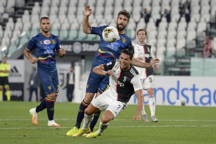 Ronaldo lại tỏa sáng rực rỡ, in dấu giày trong 3 bàn thắng giúp Juventus tiến gần hơn tới ngôi vô địch Serie A - Ảnh 7.