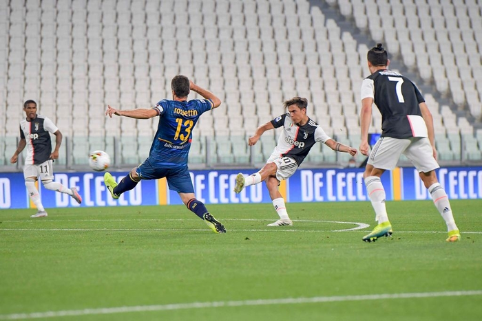 Ronaldo lại tỏa sáng rực rỡ, in dấu giày trong 3 bàn thắng giúp Juventus tiến gần hơn tới ngôi vô địch Serie A - Ảnh 6.