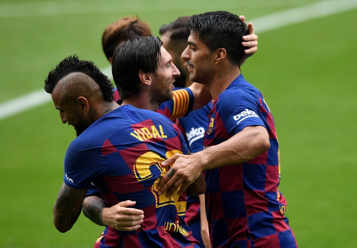 """Song tấu Messi - Suarez phối hợp ghi bàn đậm chất """"phủi"""", Barcelona vẫn mất điểm trong cuộc đua vô địch bởi cú sút phạt """"10 điểm"""" - Ảnh 2."""
