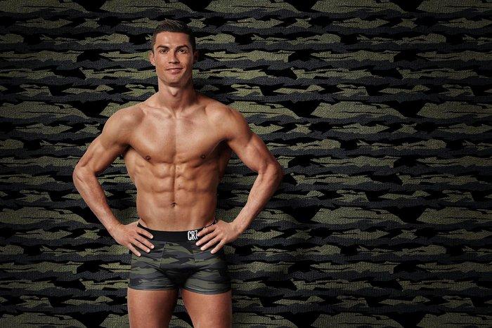 Công chúa nhỏ nhà Ronaldo thổ lộ cực đáng yêu: Bố sẽ giận nếu con ăn món này - ảnh 1