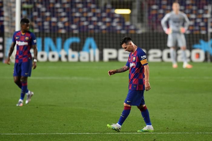 Messi và đồng đội hụt hơi trong cuộc đua vô địch với đối thủ truyền kiếp - Ảnh 9.