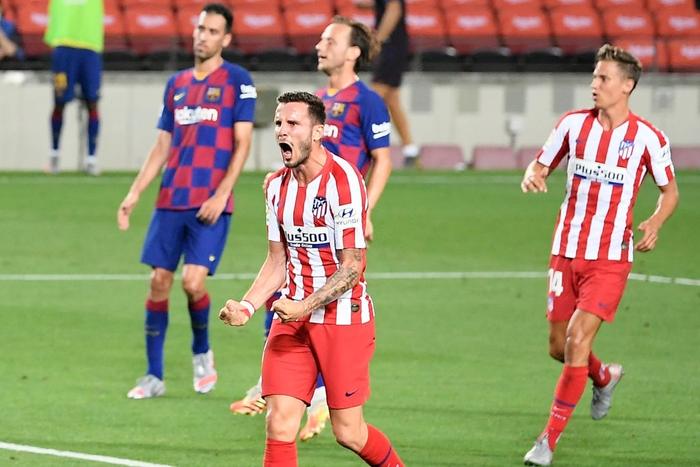 Messi và đồng đội hụt hơi trong cuộc đua vô địch với đối thủ truyền kiếp - Ảnh 3.