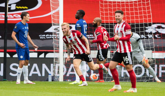 Fan MU mở cờ trong bụng: Chelsea bất ngờ thảm bại và dễ bị Quỷ đỏ đánh bật khỏi top 4 - Ảnh 5.