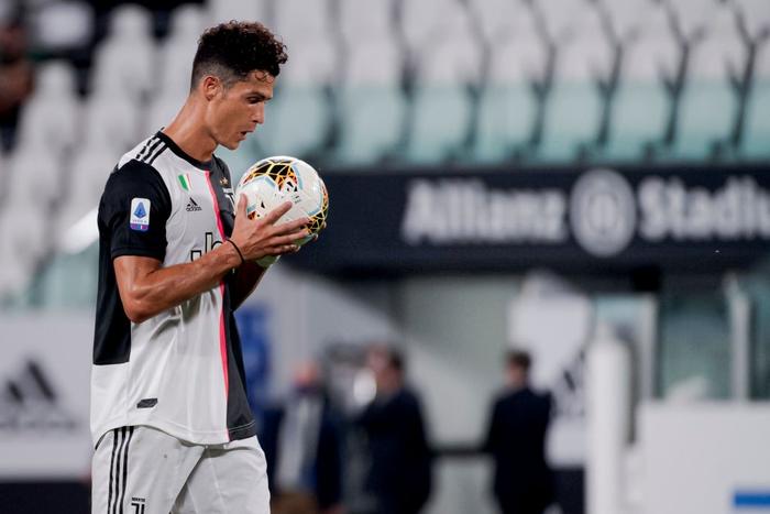 Ronaldo tỏa sáng với cú đúp bàn thắng, fan lại được dịp cà khịa: Thánh Penaldo hiển linh đây rồi! - Ảnh 3.