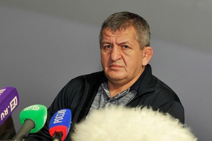 Cha của nhà vô địch Khabib Nurmagomedov qua đời ở tuổi 58 sau khi nhiễm Covid-19 - Ảnh 1.