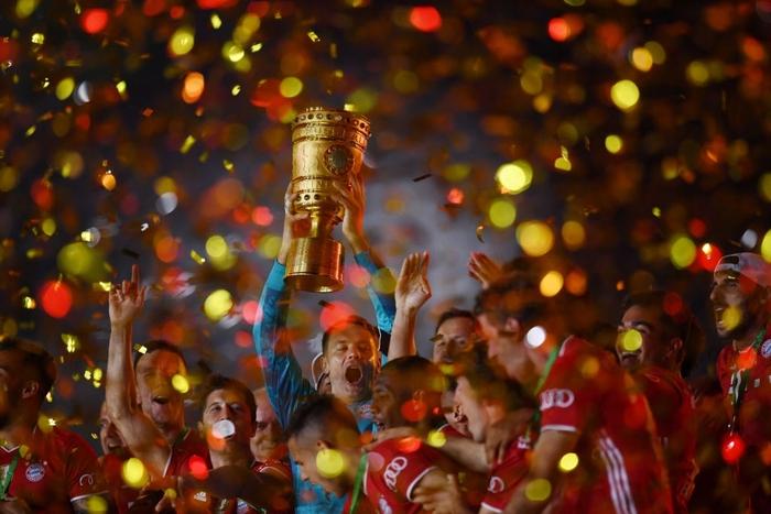 Ghi bàn vừa đẳng cấp vừa hài hước, chân sút đáng sợ nhất châu Âu mùa này giúp Bayern hoàn tất cú đúp danh hiệu - Ảnh 1.