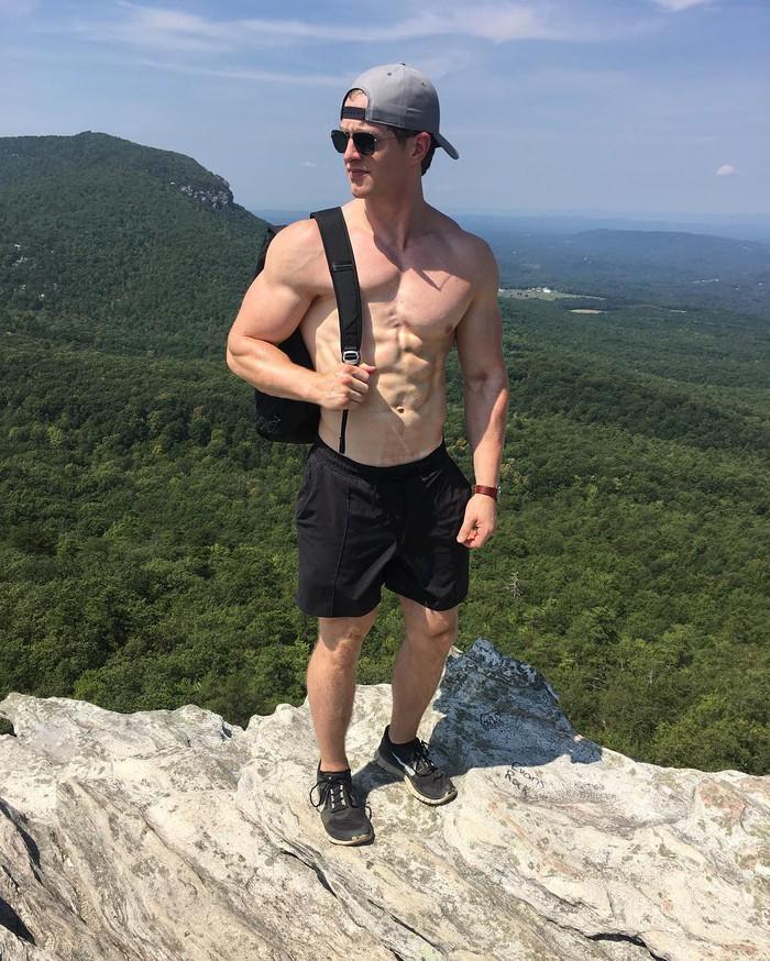 Anh chàng lực sĩ sở hữu body cực đặc biệt gây sốt: Cơ bụng, bắp tay đều cực khủng nhưng lại thiếu mất một bên ngực - ảnh 4