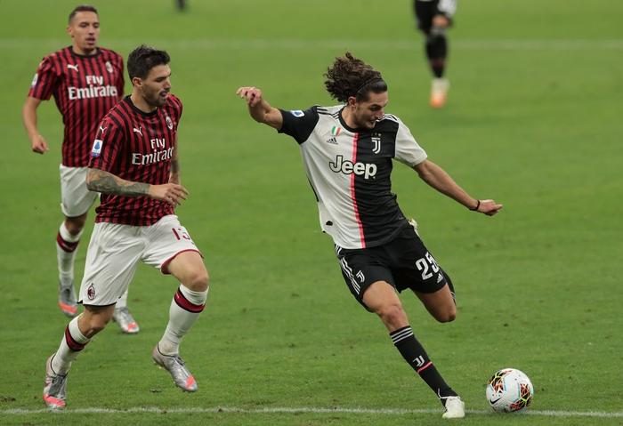 Ronaldo ghi bàn, Juventus vẫn để AC Milan lội ngược dòng - Ảnh 1.