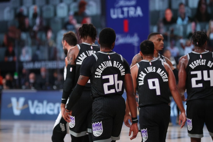 """NBA suýt rơi vào tình trạng báo động khi một cầu thủ Sacramento King """"dương tính giả"""" với Covid-19 - Ảnh 1."""