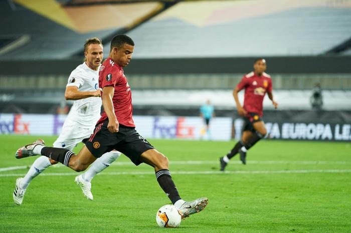 Bruno Fernandes ghi bàn ở hiệp phụ đưa MU vào bán kết cúp châu Âu - Ảnh 4.