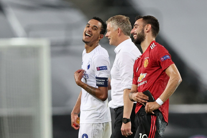 Bruno Fernandes ghi bàn ở hiệp phụ đưa MU vào bán kết cúp châu Âu - Ảnh 9.