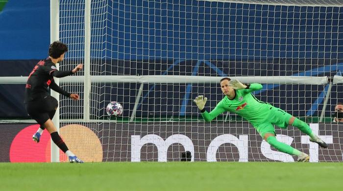 Leipzig 2-1 Atletico Madrid: Bàn thắng phút cuối của Adams đưa đội chủ nhà vào bán kết Champions league - Ảnh 6.