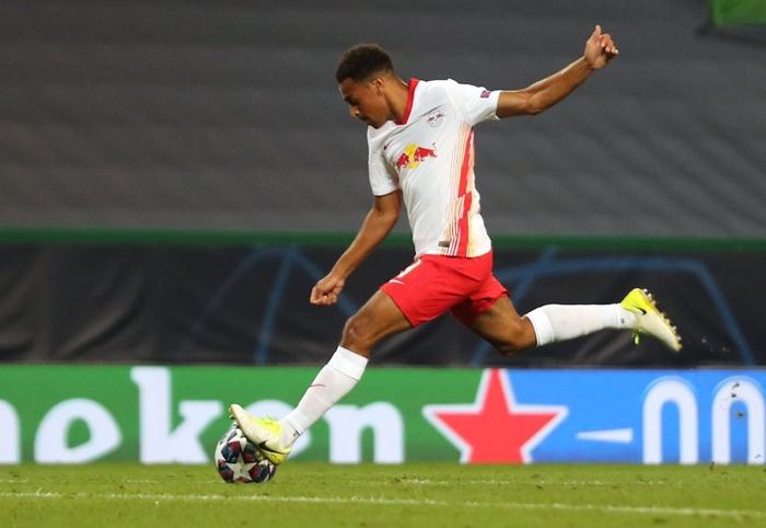 Leipzig 2-1 Atletico Madrid: Bàn thắng phút cuối của Adams đưa đội chủ nhà vào bán kết Champions league - Ảnh 7.