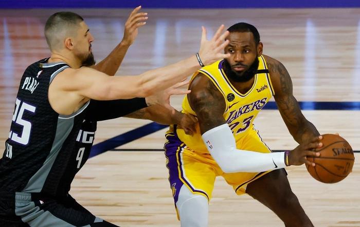 """LeBron James lần đầu tiên dẫn đầu BXH chỉ số kiến tạo, thêm một chiến tích xứng đáng với ngôi vị """"Nhà Vua"""" - Ảnh 2."""