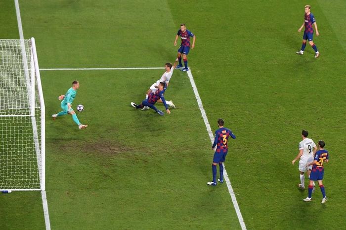 Barca 2-8 Bayern: Cơn ác mộng kinh hoàng của Messi và đồng đội - Ảnh 8.