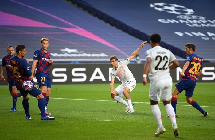 Barca 2-8 Bayern: Cơn ác mộng kinh hoàng của Messi và đồng đội - Ảnh 2.
