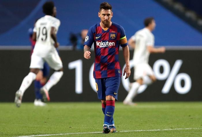 Messi ôm đầu buồn bã, thất thần chứng kiến thất bại 2-8 không thể tin nổi của Barca - Ảnh 1.
