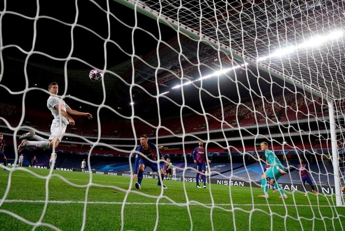 Barca 2-8 Bayern: Cơn ác mộng kinh hoàng của Messi và đồng đội - Ảnh 12.