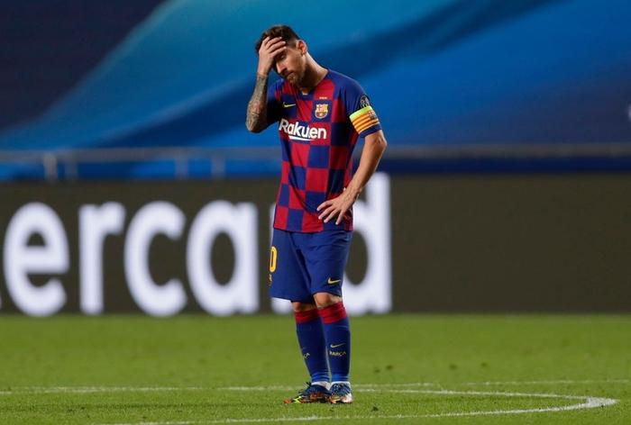 Messi ôm đầu buồn bã, thất thần chứng kiến thất bại 2-8 không thể tin nổi của Barca - Ảnh 2.