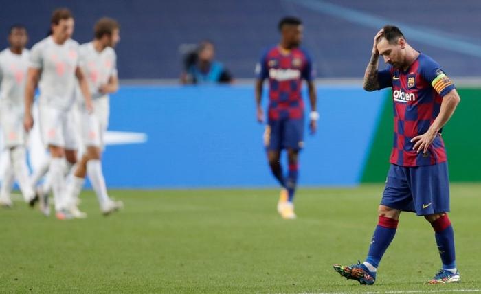 Messi ôm đầu buồn bã, thất thần chứng kiến thất bại 2-8 không thể tin nổi của Barca - Ảnh 4.