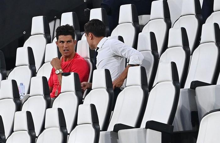 Ronaldo mặc sai dress code trong ngày Juve đăng quang ngôi vô địch Serie A lần thứ 9 liên tiếp - ảnh 4