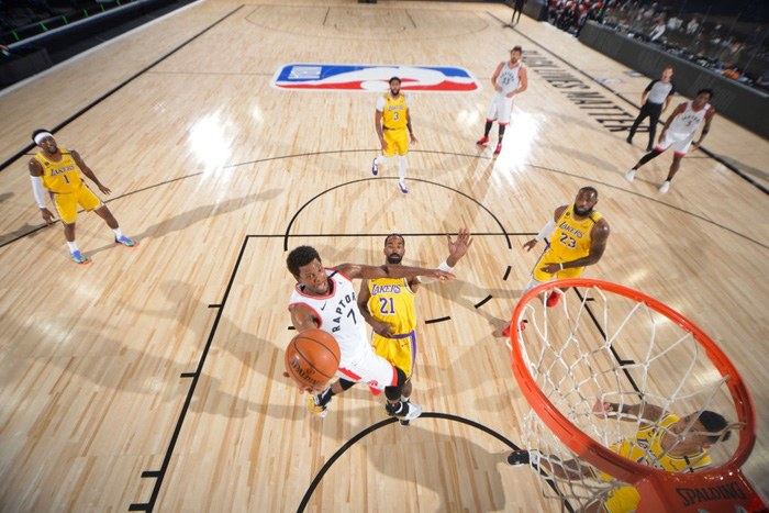 Thiếu hiệu quả trong tấn công, Los Angeles Lakers nhận thất bại thứ 11 liên tiếp trước Toronto Raptors - Ảnh 3.