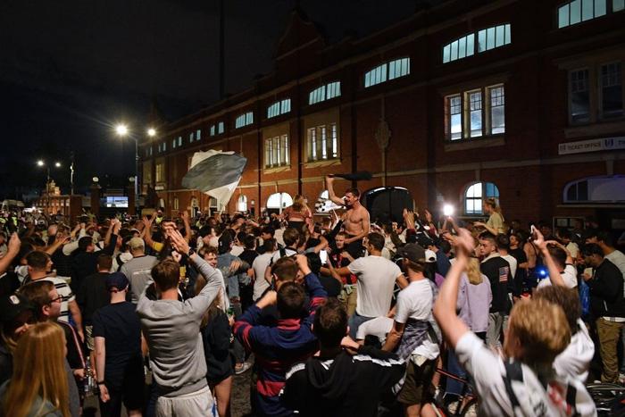 Xác định xong đội bóng cuối cùng dự Ngoại hạng Anh mùa tới sau trận cầu đắt giá nhất hành tinh - Ảnh 12.