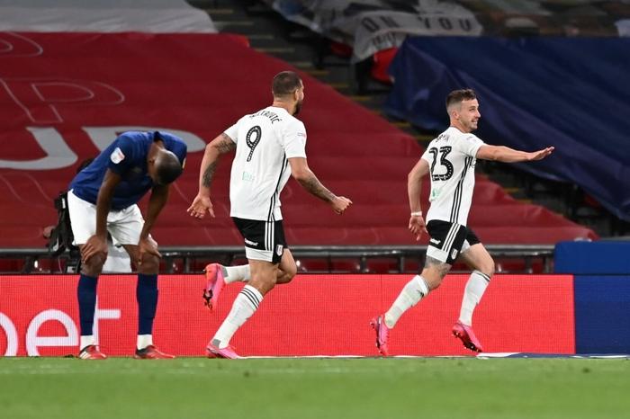 Xác định xong đội bóng cuối cùng dự Ngoại hạng Anh mùa tới sau trận cầu đắt giá nhất hành tinh - Ảnh 5.