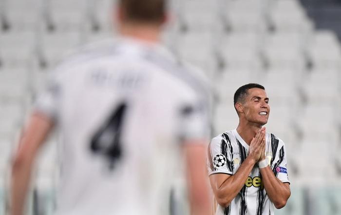 Ronaldo lập cú đúp, Juventus vẫn cay đắng bị loại khỏi Champions League - Ảnh 9.