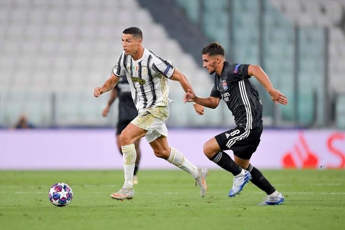 Ronaldo lập cú đúp, Juventus vẫn cay đắng bị loại khỏi Champions League - Ảnh 5.