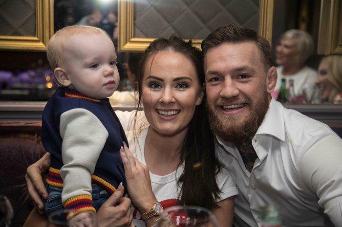 McGregor đính hôn với bạn gái Dee Devlin sau thời gian dài hẹn hò - Ảnh 3.