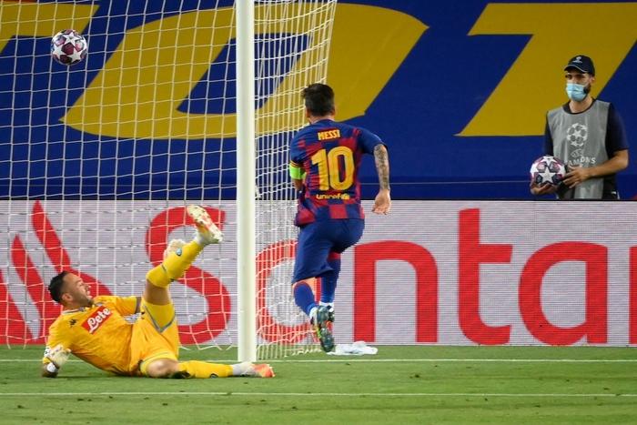 Messi tỏa sáng với khoảnh khắc thiên tài, giúp Barca tiến bước vào vòng tứ kết Champions League - Ảnh 5.
