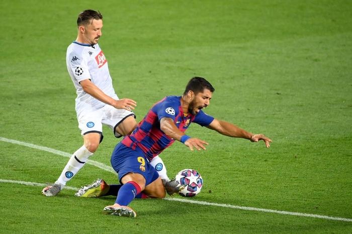 Messi tỏa sáng với khoảnh khắc thiên tài, giúp Barca tiến bước vào vòng tứ kết Champions League - ảnh 9