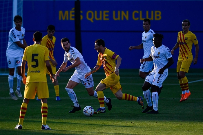 """Messi mờ nhạt ở trận đầu tiên dưới thời tân HLV Koeman, nhưng 3 """"bom xịt"""" của Barca đều nổ súng - Ảnh 4."""