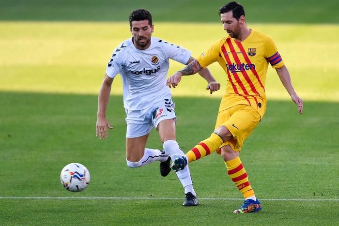 """Messi mờ nhạt ở trận đầu tiên dưới thời tân HLV Koeman, nhưng 3 """"bom xịt"""" của Barca đều nổ súng - Ảnh 6."""