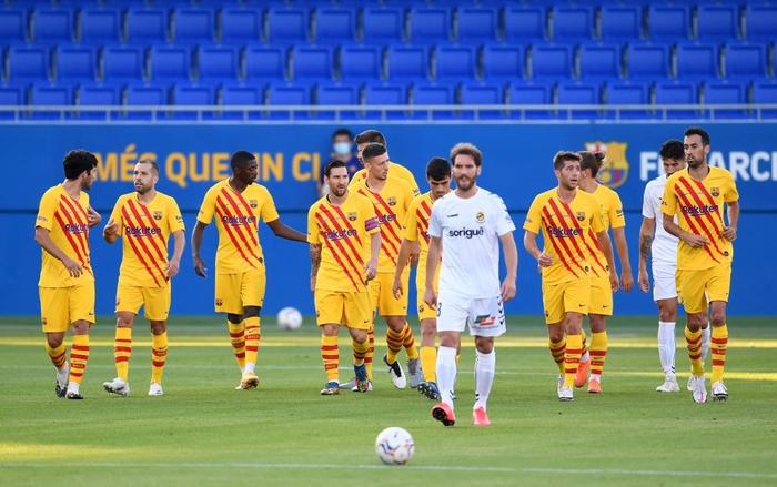 Messi mờ nhạt ở trận đầu tiên dưới thời tân HLV Koeman, nhưng 3 bom xịt của Barca đều lập công - ảnh 1